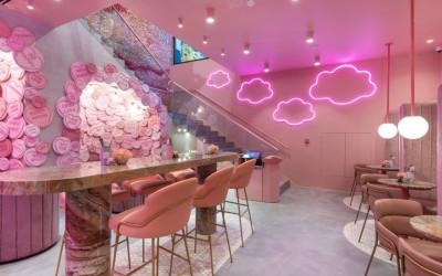 Неон и розовый вельвет в Elan Café в Лондоне