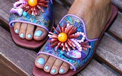 Самые яркие летние сандалии 2020 от Elina Linardaki