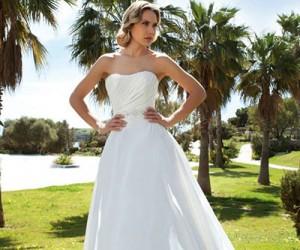 Коллекция свадебных платьев Demetrios 2014
