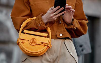 Детали street style: сумки гостей модных показов сезона осень-зима 2020-2021
