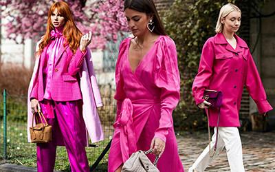 Модные женские образы в розовом цвете 2020 от street-style героинь