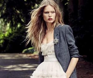 Anna Ewers на страницах Vogue China