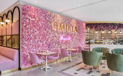 Самое романтичное место Стамбула - розовое Emilia Cafe