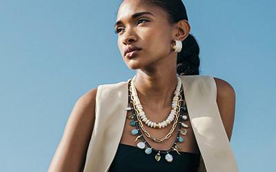 Красивые серьги и ожерелья Lizzie Fortunato весна-лето 2021