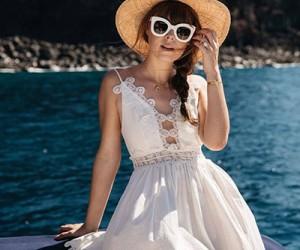 Летнее белое платье - 20 примеров на модных блогерах
