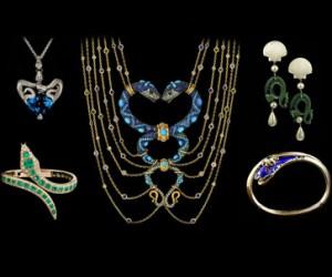 Ювелирные украшения со змеями