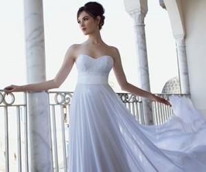 Свадебные платья Flora 2013
