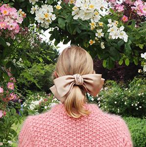 Милые банты и ленты в волосах